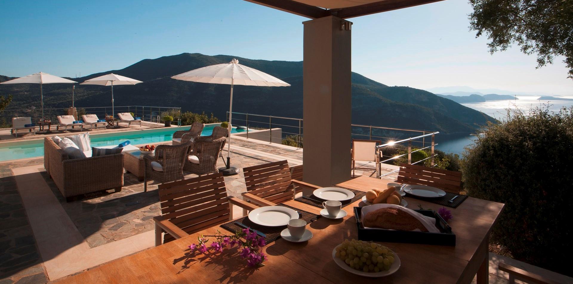luxury-4-bed-villa-lefkada-dining-terrac