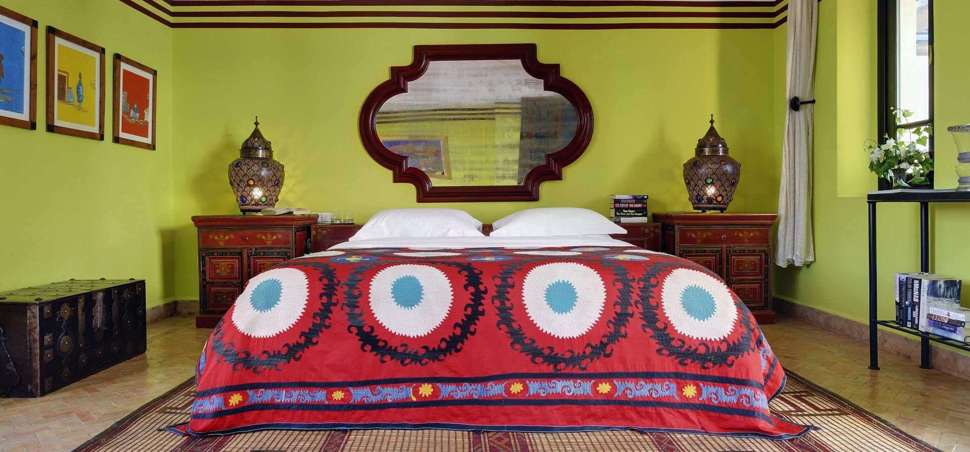 vella-ezzahra-master-suite-bedroom