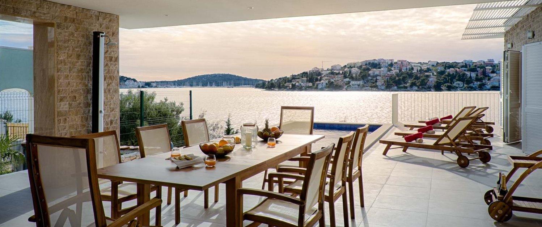 luxury-family-villa-holiday-split