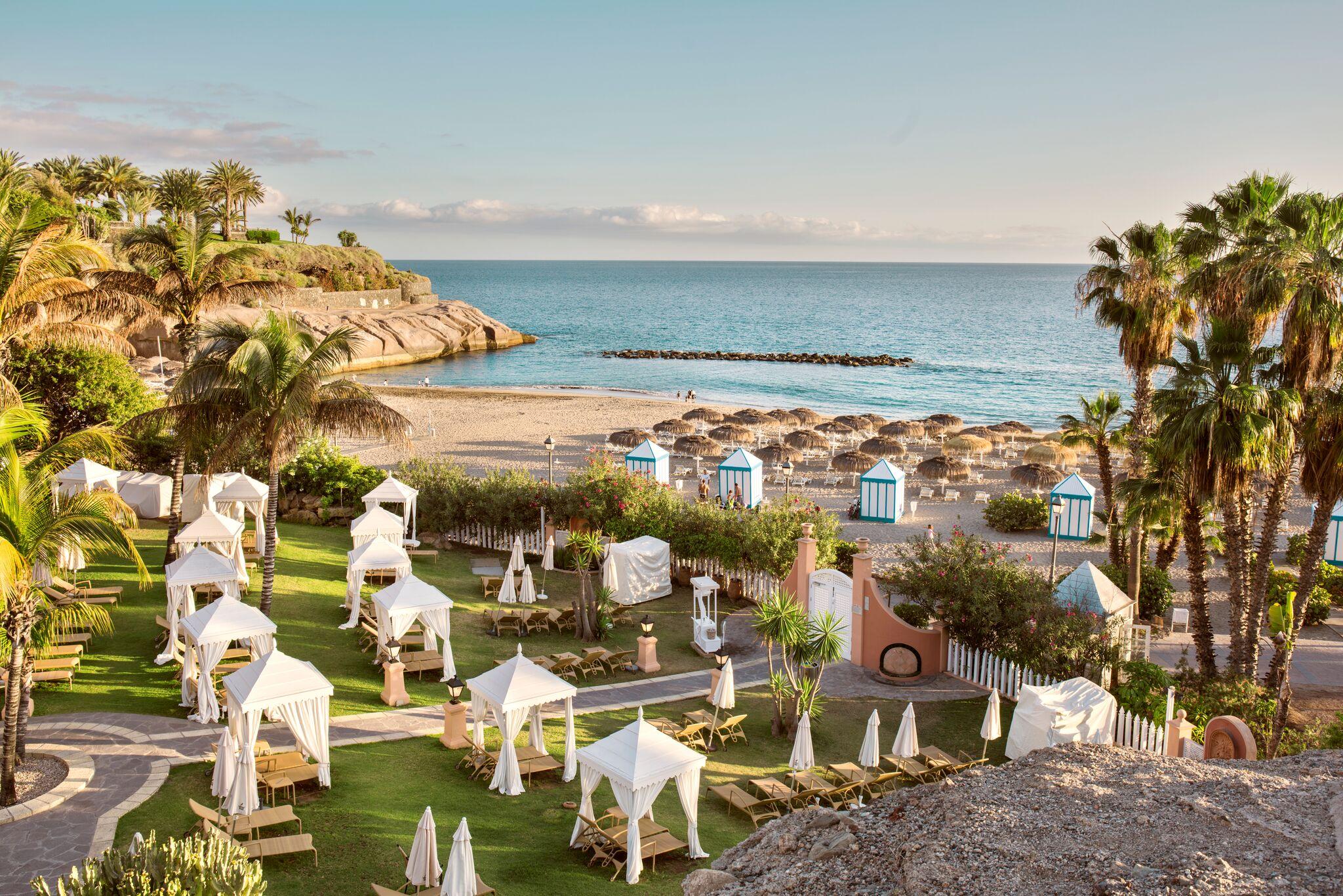 bahia-del-duque-hotel-beach