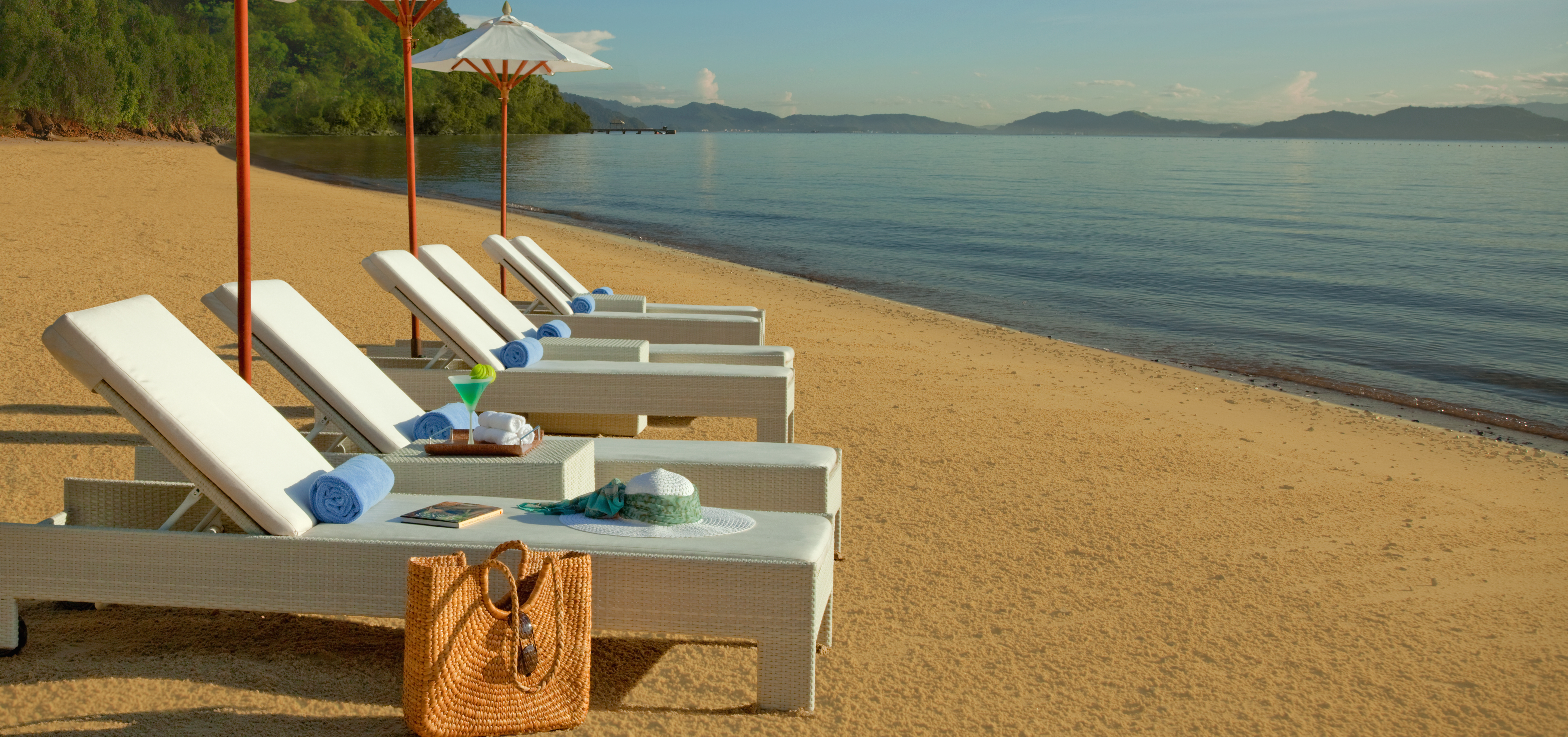 gaya-island-beach-sun-loungers