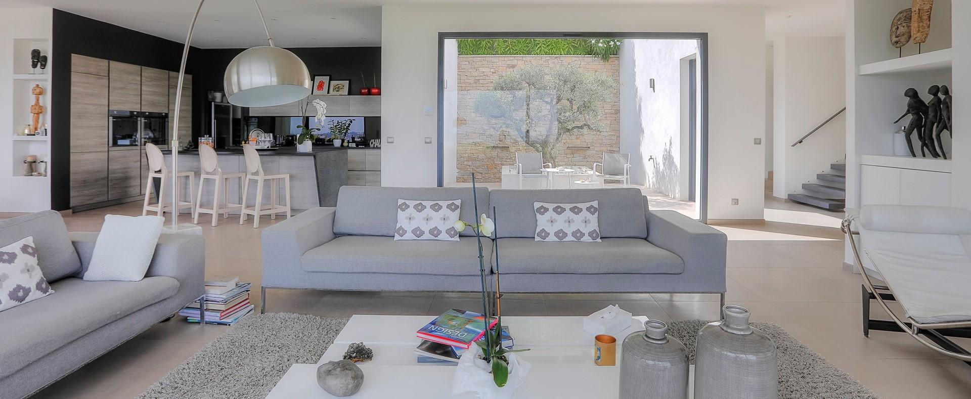 contemporary-interior-villa-grimaud
