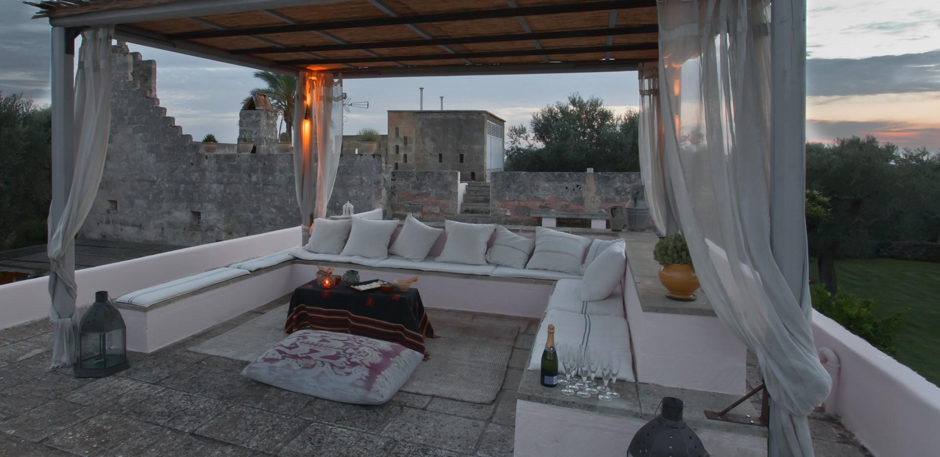 villa-le-more-puglia-rooftop-terrace
