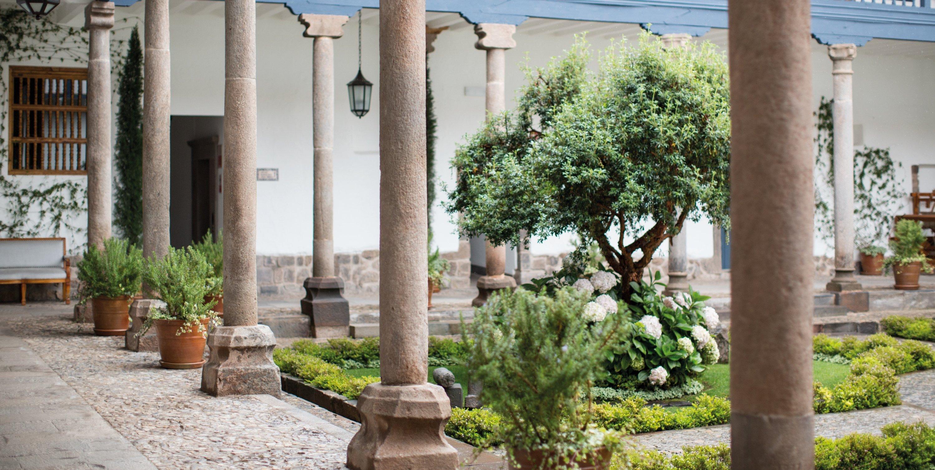 palacio-nazarenas-cuzco-garden