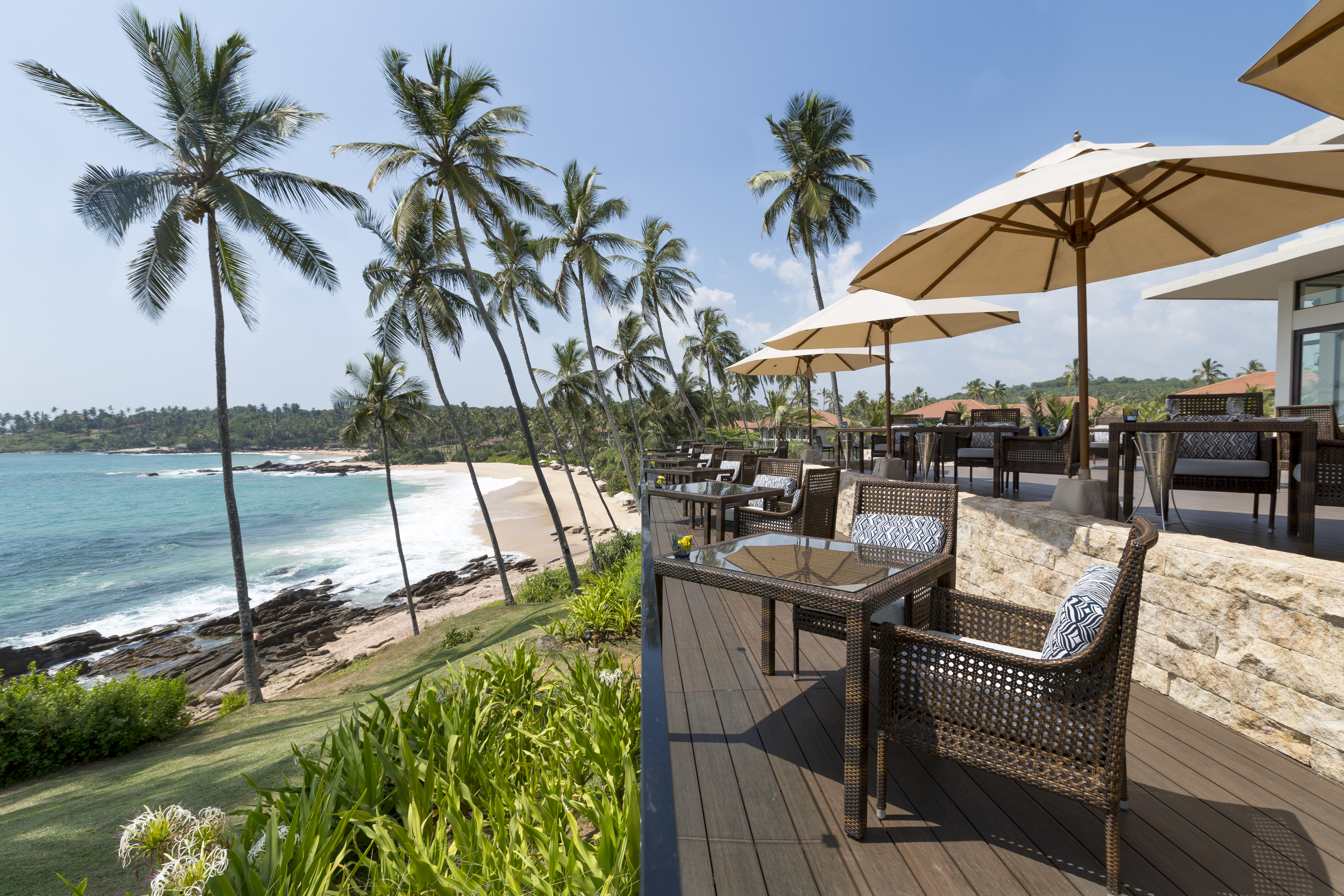 anantara-peace-haven-beach-bar