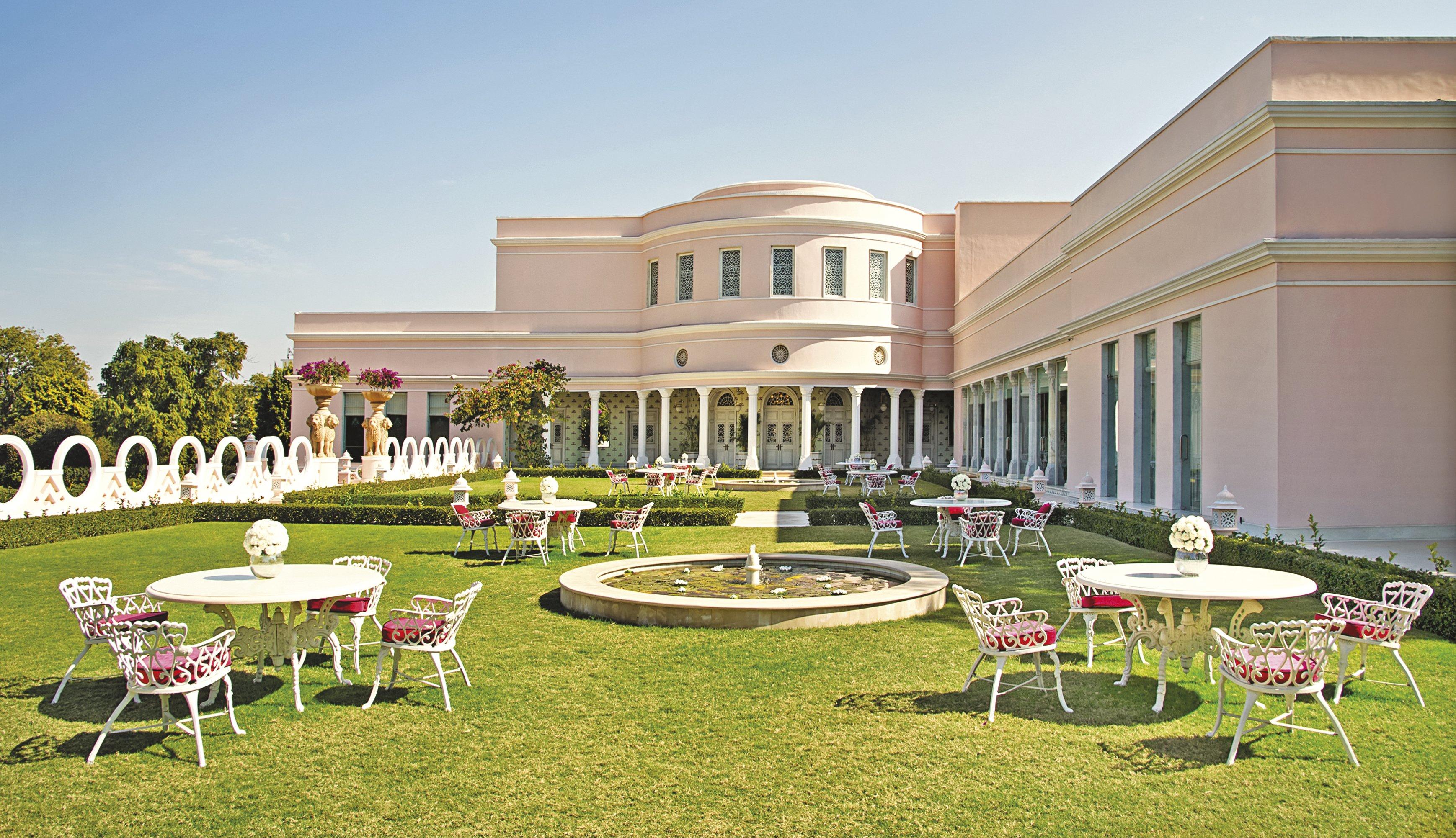 sujan-rajmahal-palace-jaipur-facade