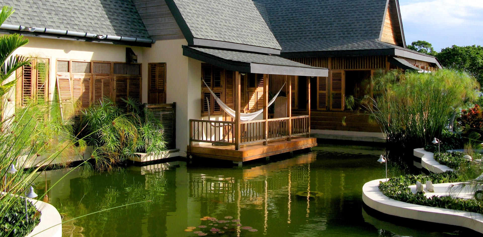 villa-ohana-tobago-water-feature