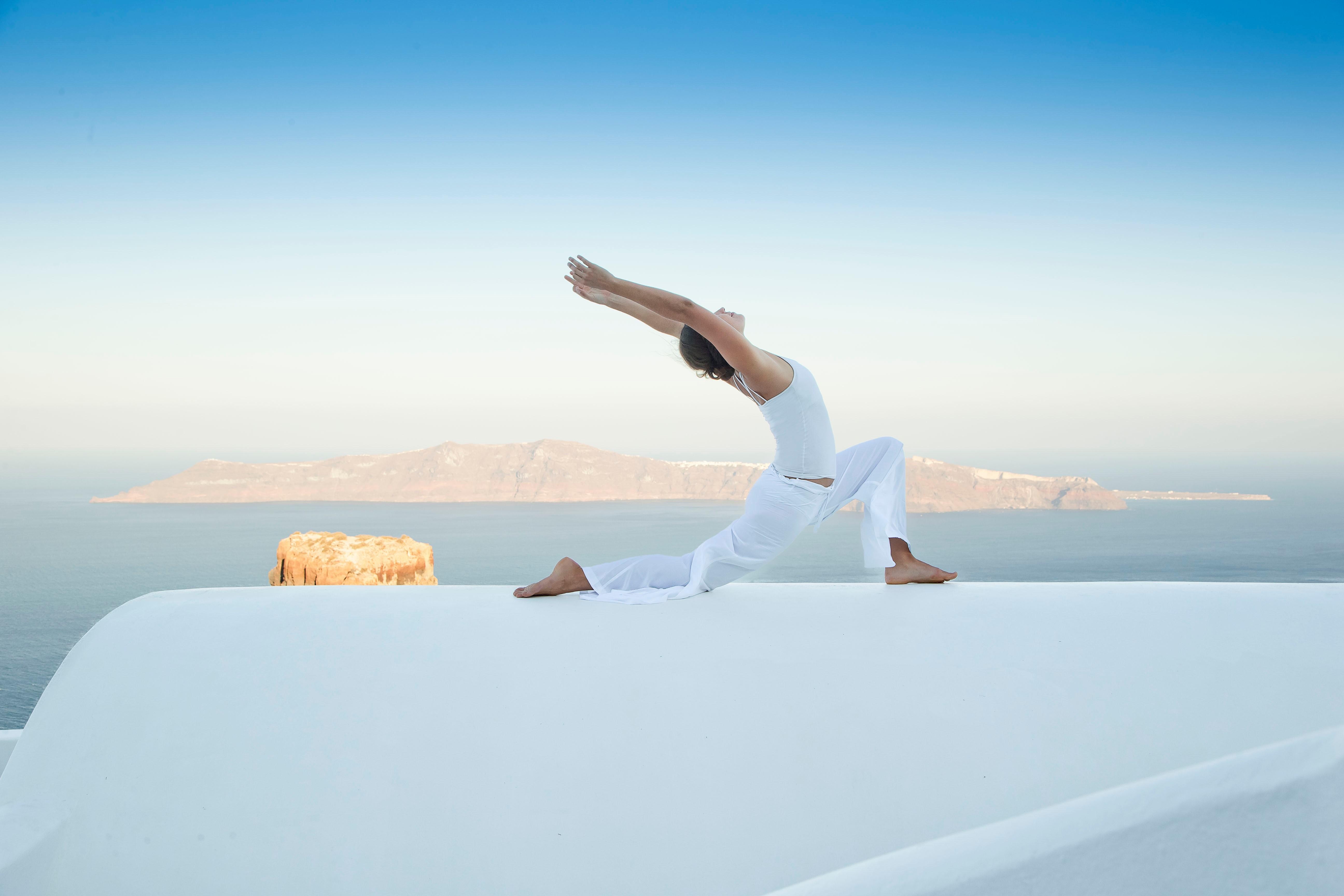 yoga-santorini-greece