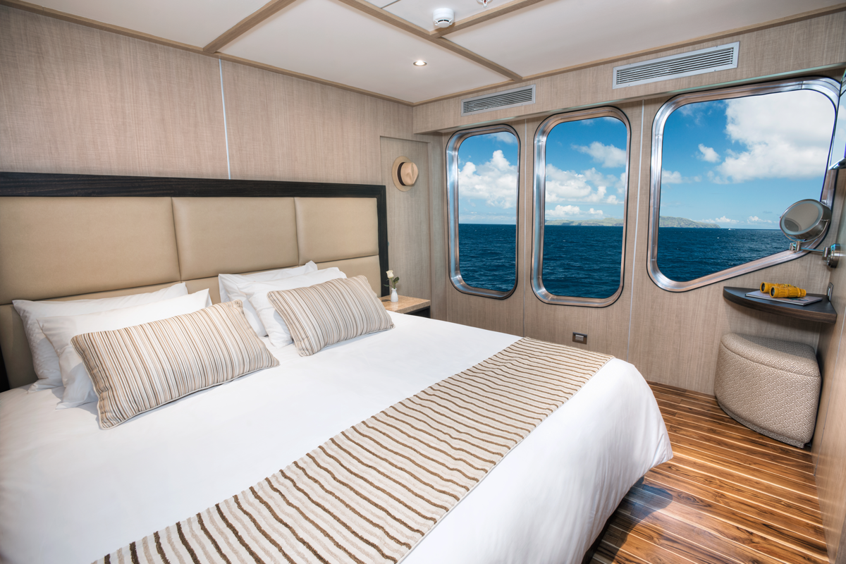 luxury-cabin-galapagos-cruise