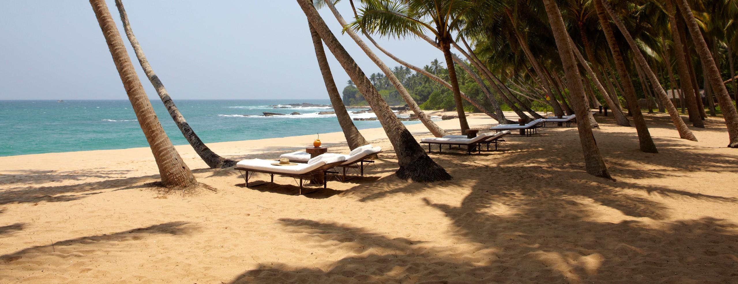 Amanwella-Sri-Lanka-Beach-sun-loungers
