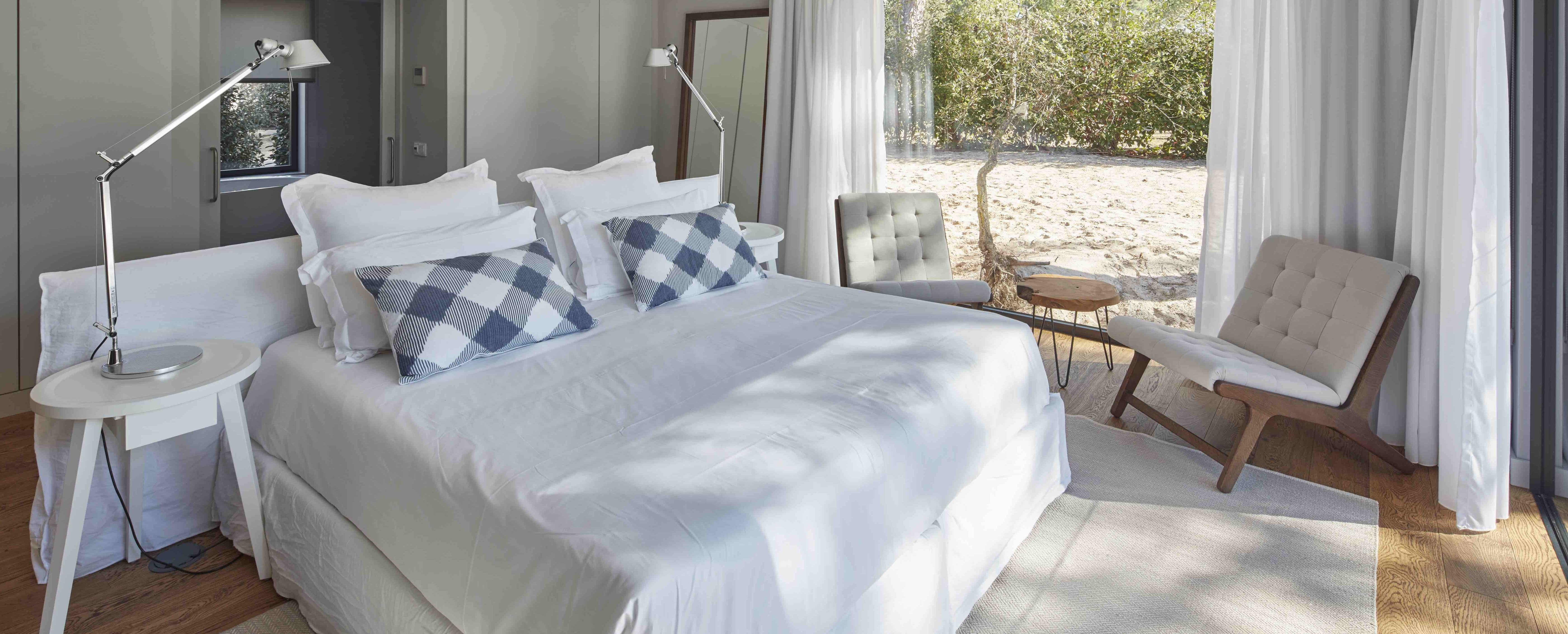 sublime-comporta-villa-bedroom