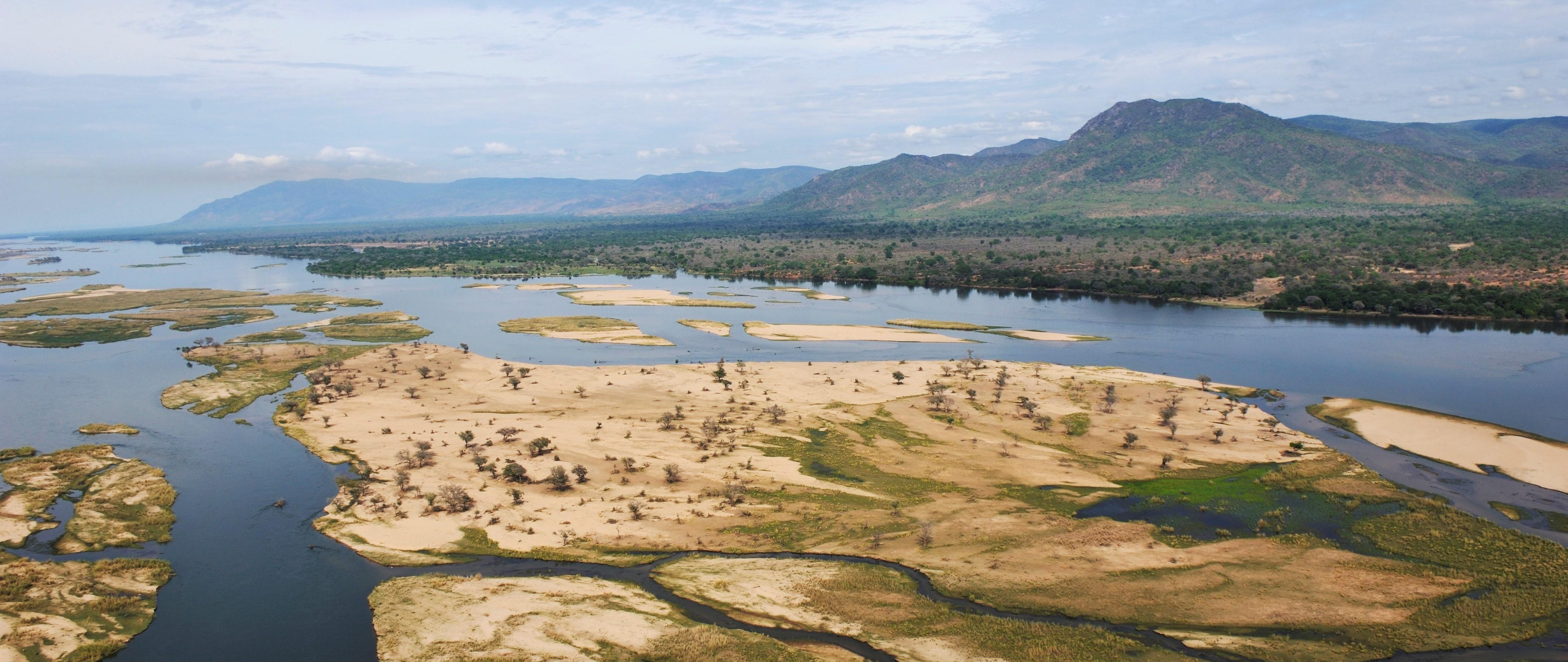 luxury-lower-zambezi-safaris