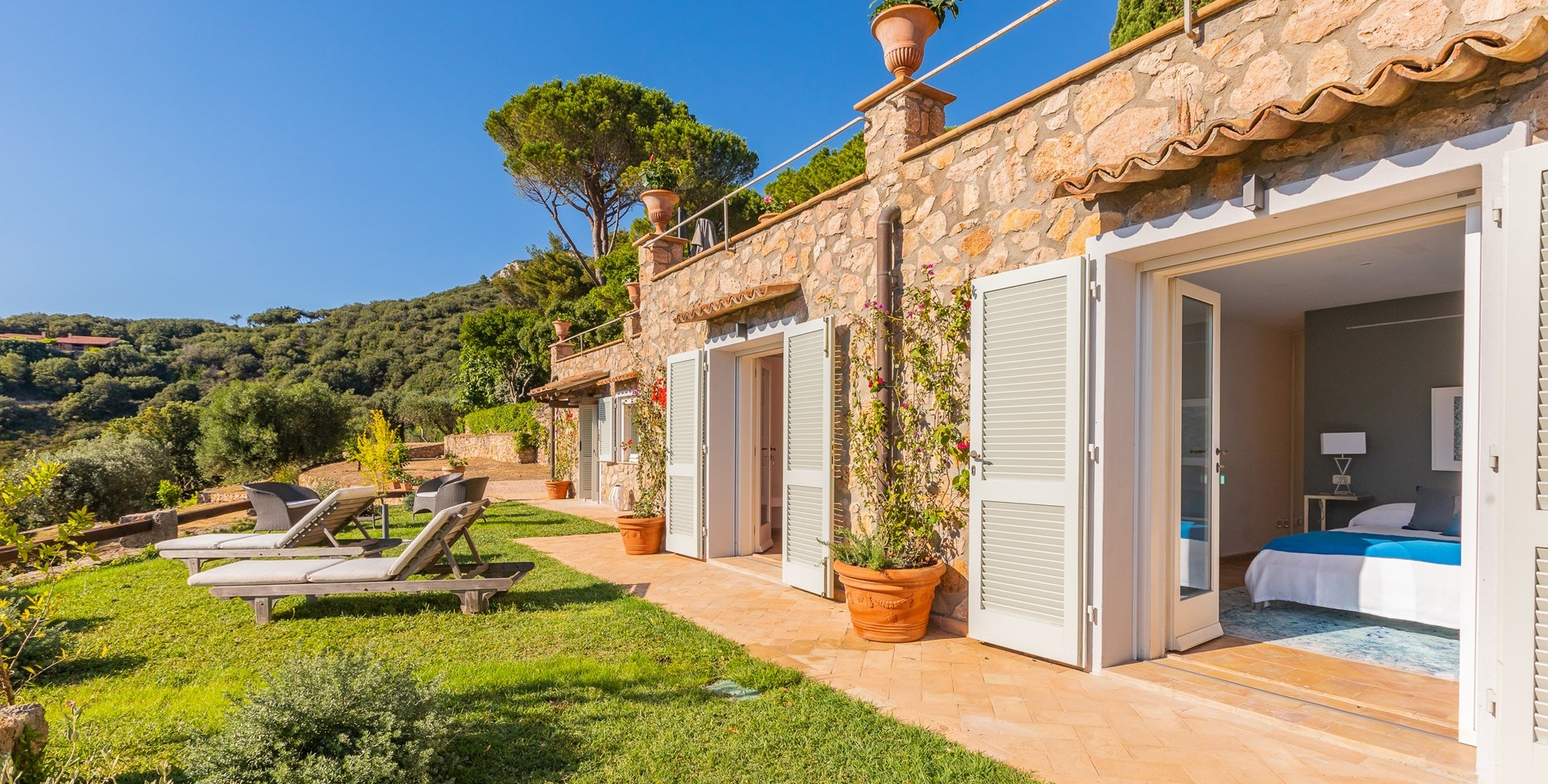 luxury-7-bed-villa-tuscany-coast