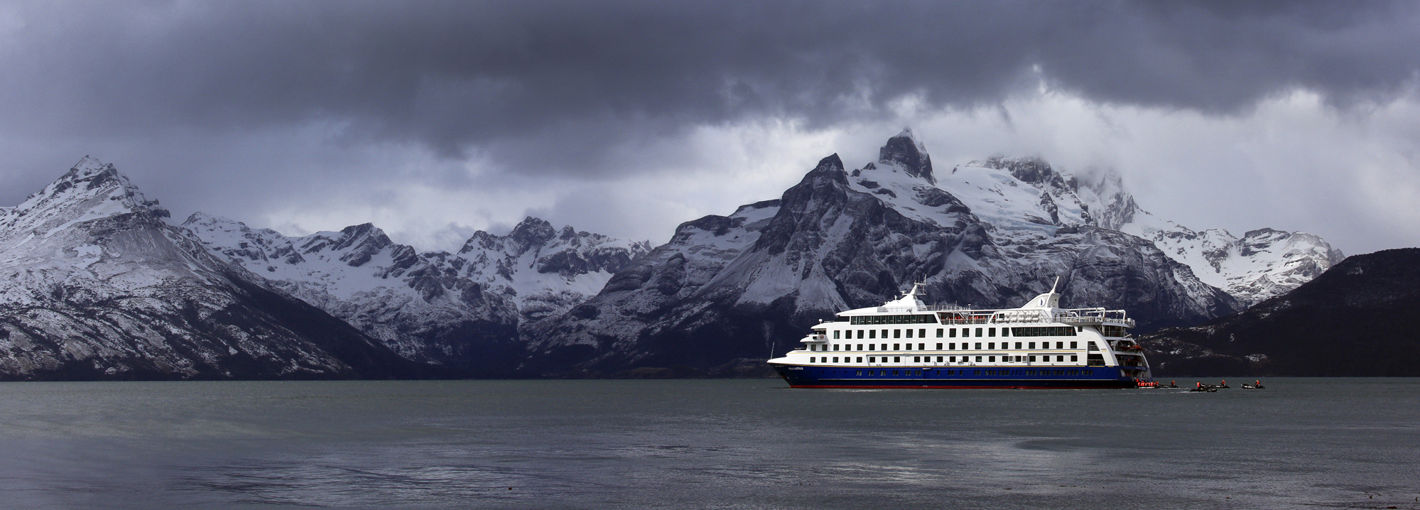 cruising-fjords-patagonia