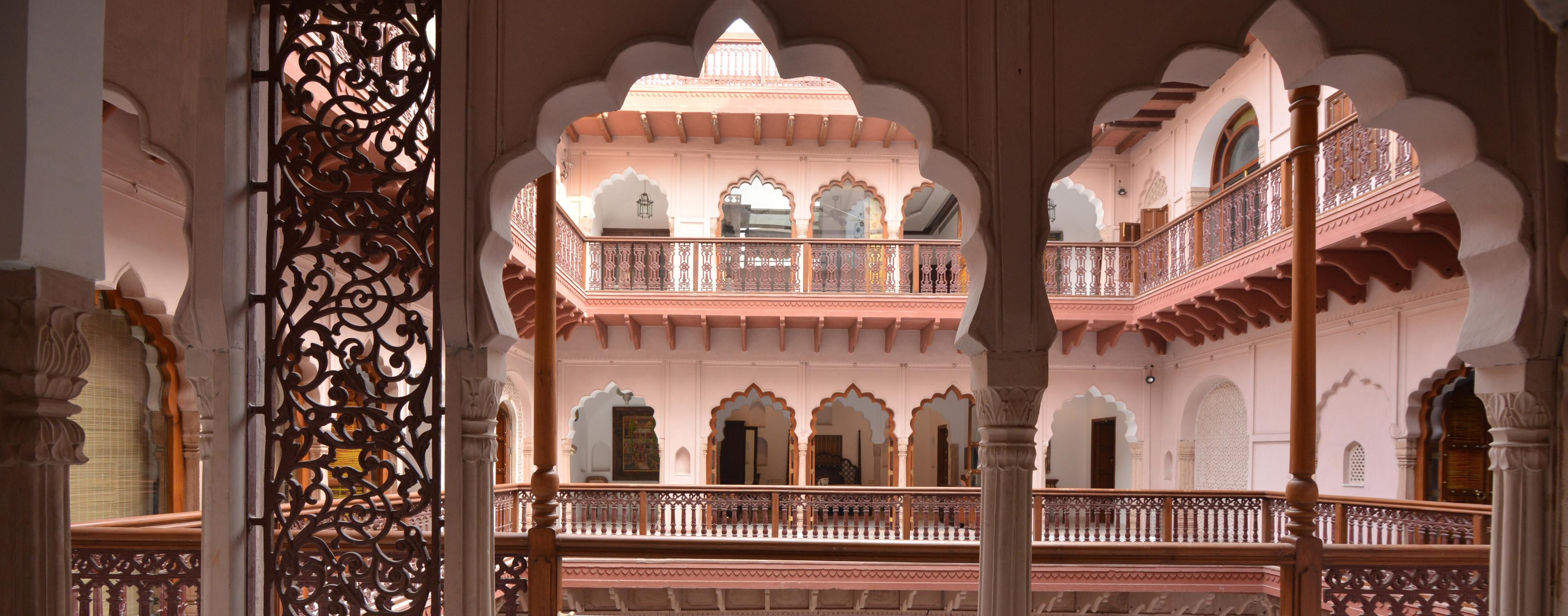 Haveli-Dharampura-courtyard
