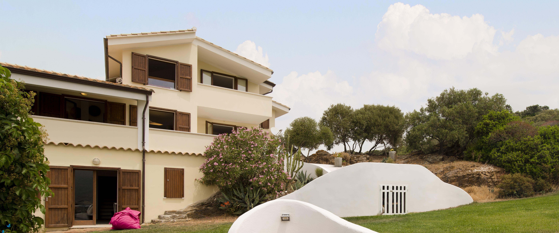 large-8-bedroom-villa-sardinia
