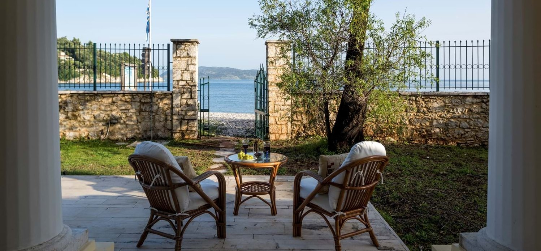 6-bed-familly-beach-villa-corfu