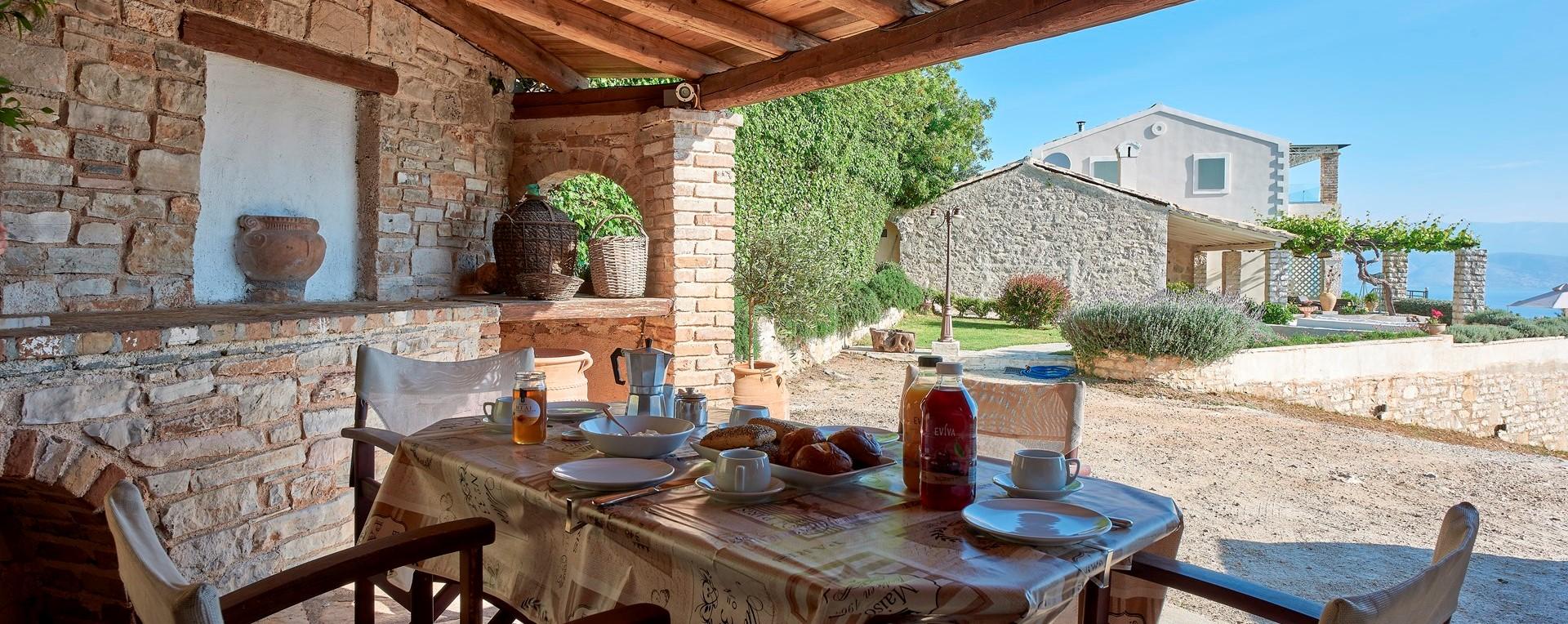 villa-kokkini-corfu-dining-pavilion
