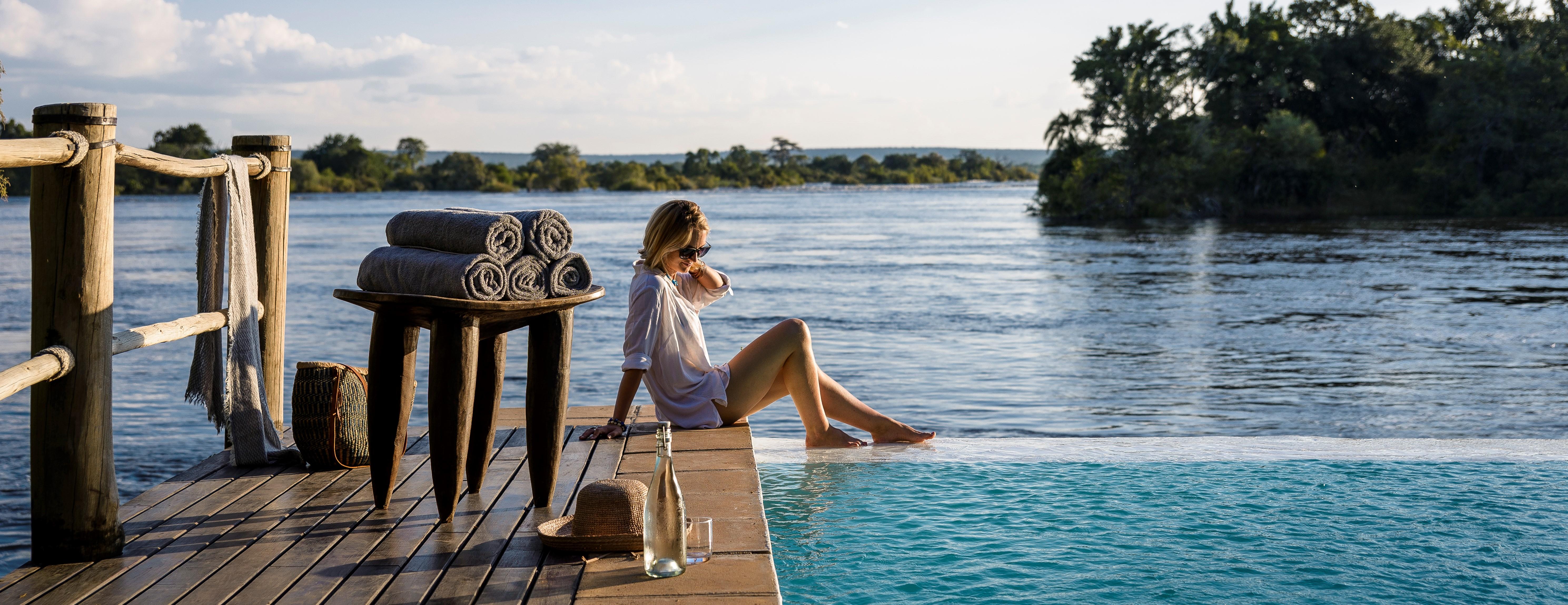sanctuary-sussi-and-chuma-zambia