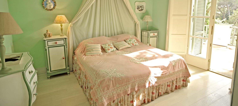 beach-house-tuscany-double-bedroom-1