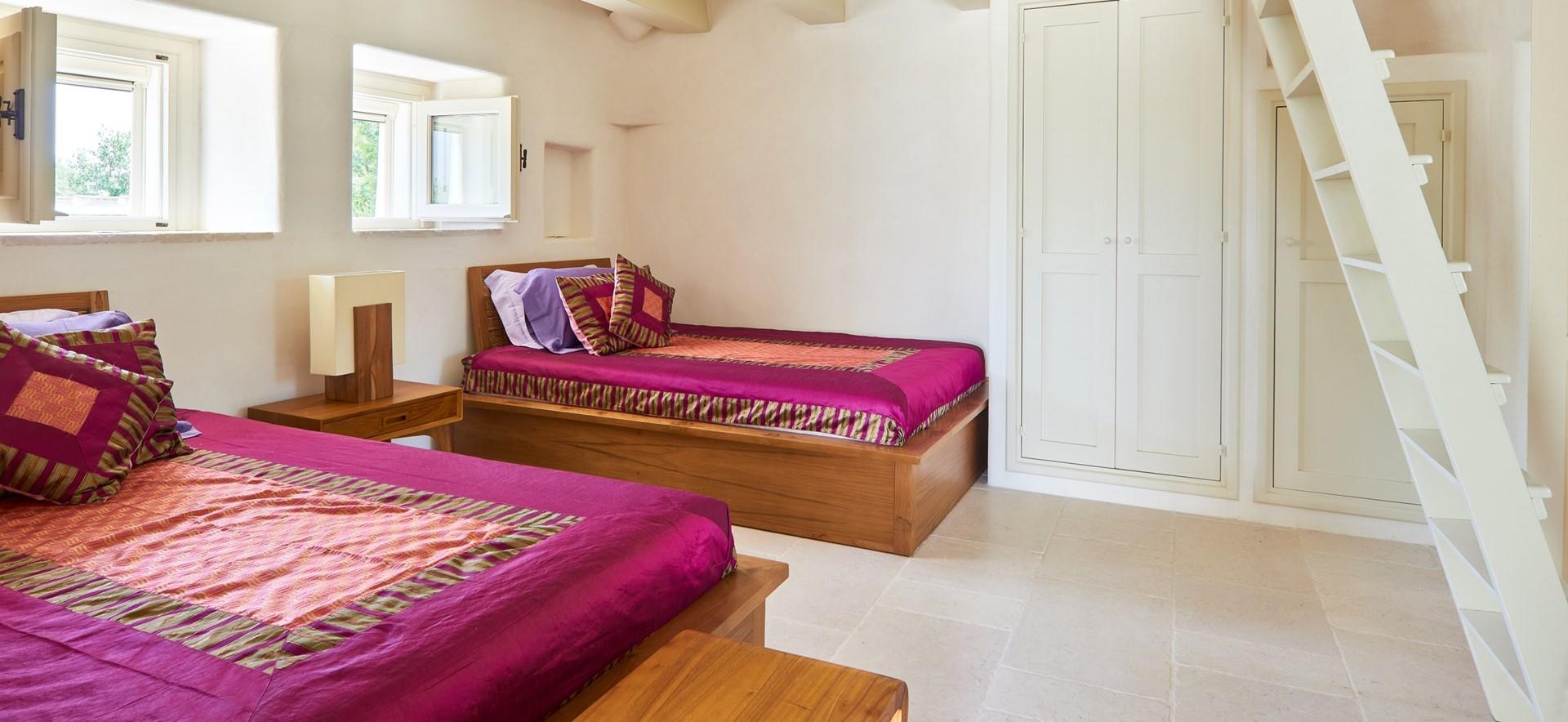 trulli-fiori-puglia-twin-bedroom-2