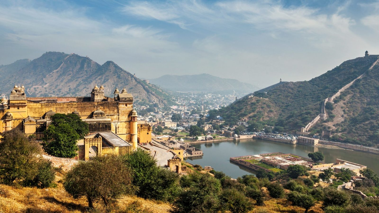 Amber-fort-jaipur-Rajasthan-India-1600x9
