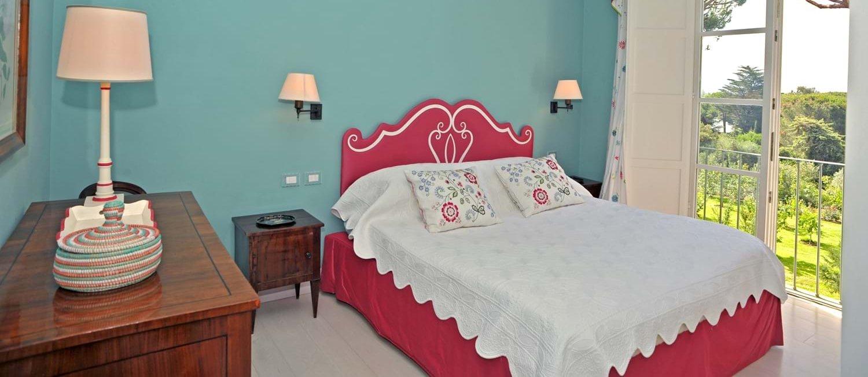 beach-house-tuscany-double-bedroom-2