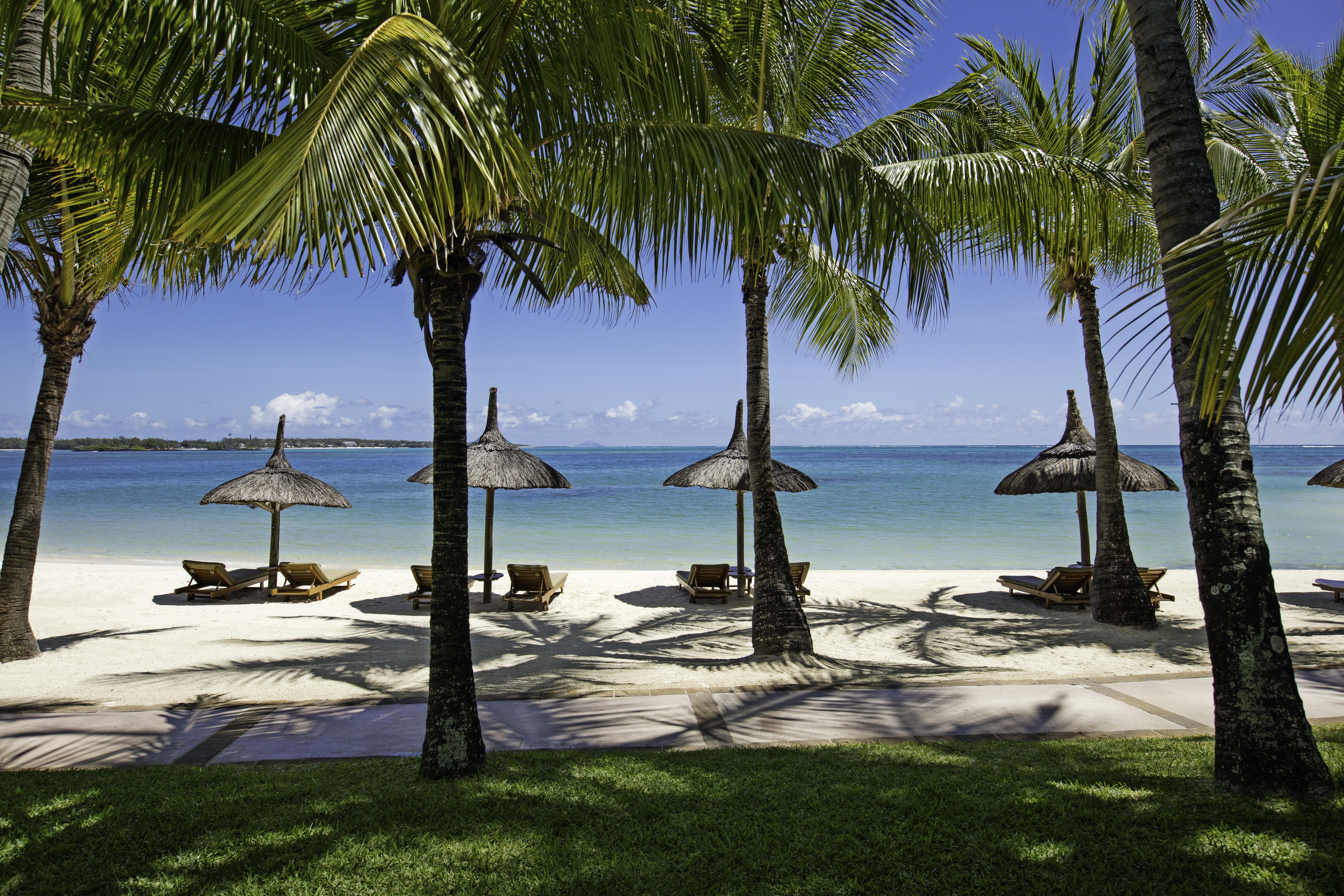 le-saint-geran-beach-mauritius