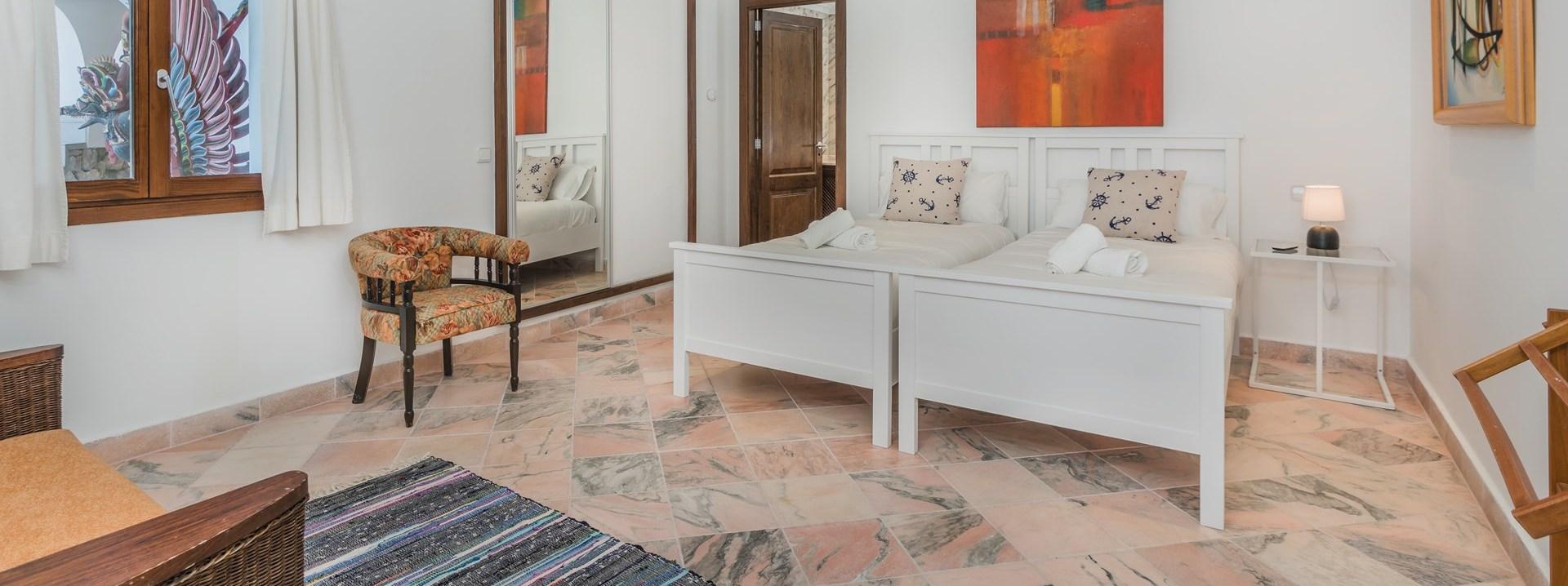 el-mirador-twin-bedroom
