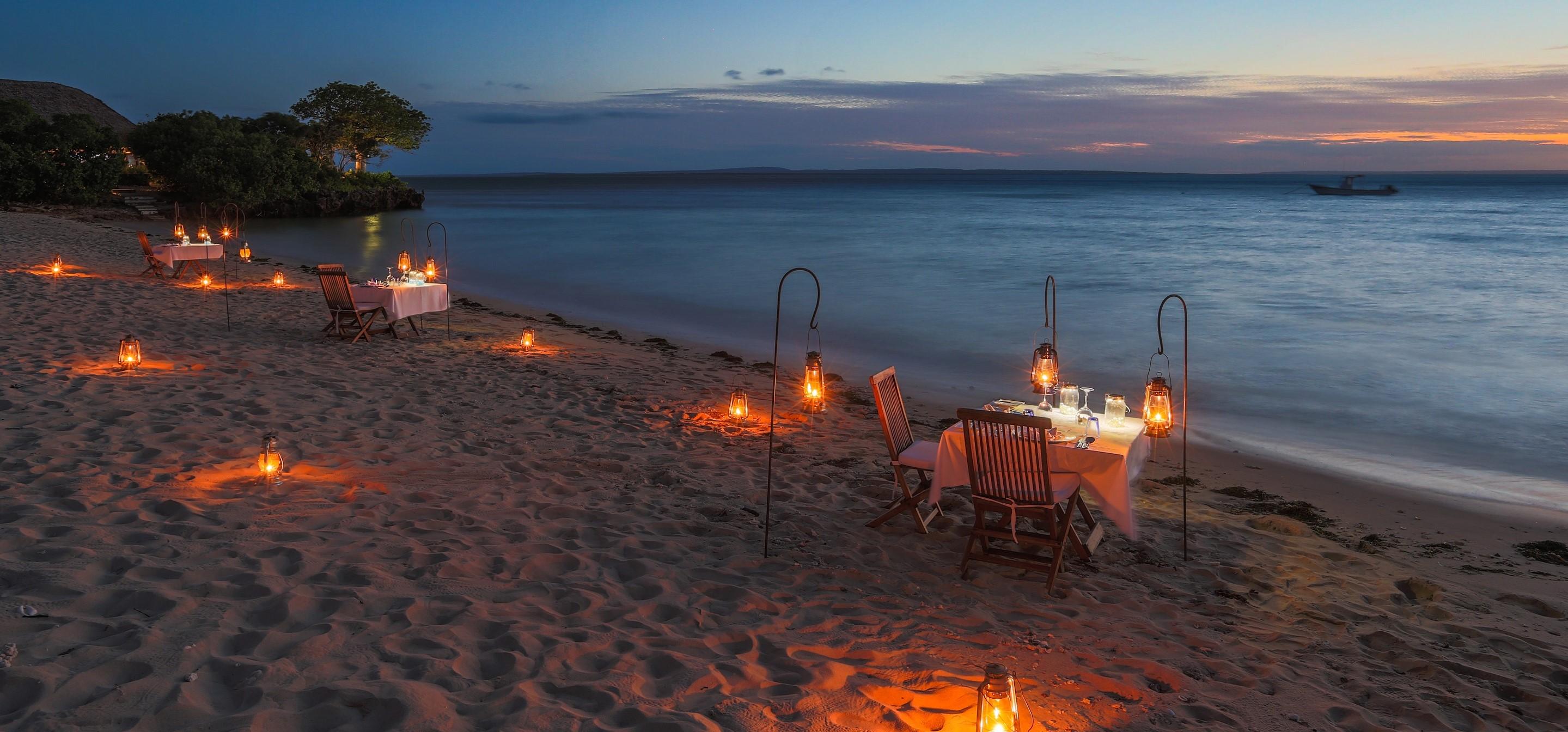 azura_quilalea_dining_on_beach