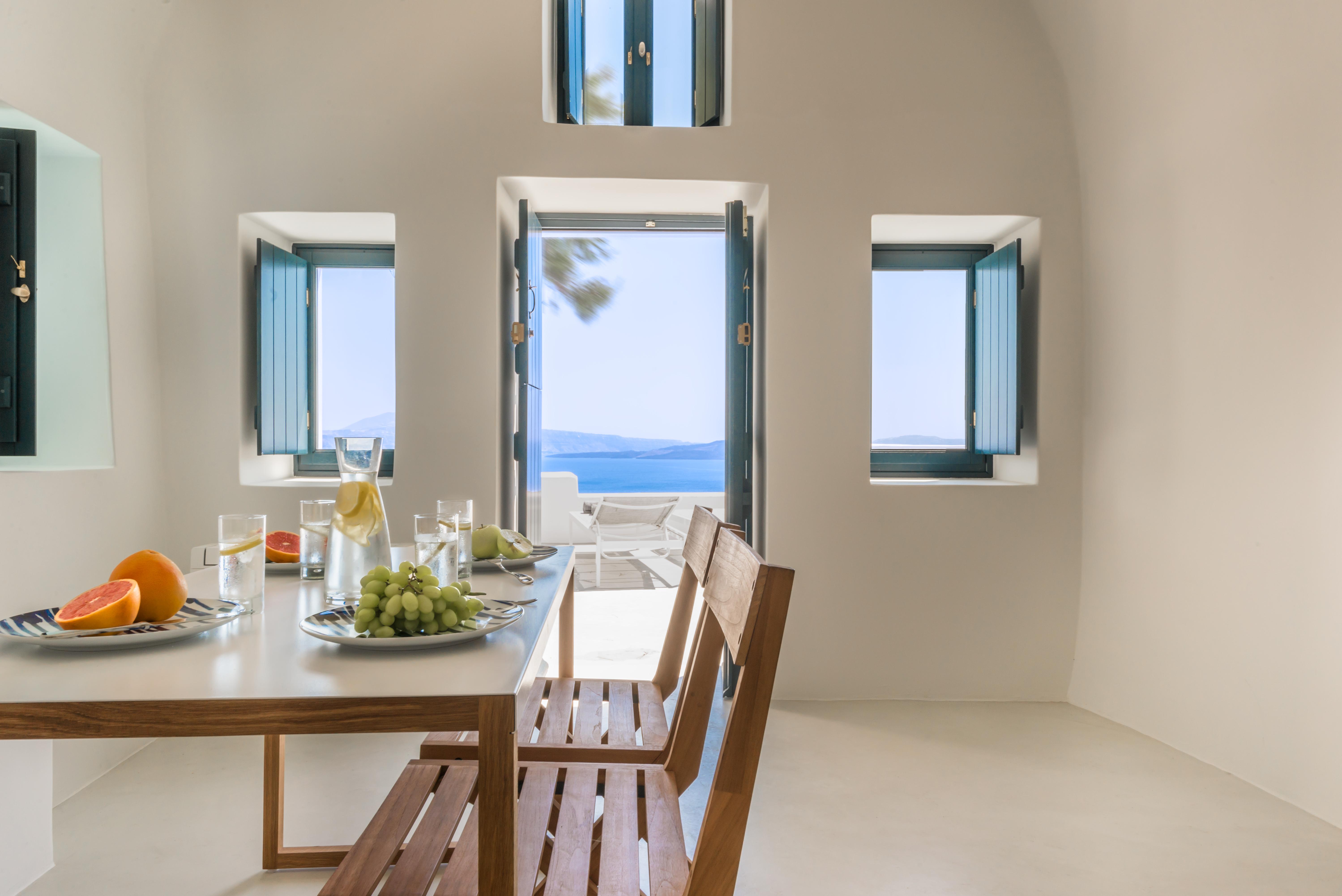 luxury-santorini-romantic-cave-house