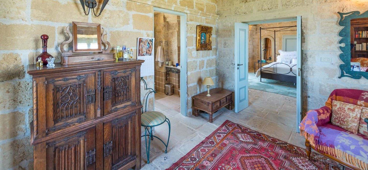 study-area-next-to-master-bathroom