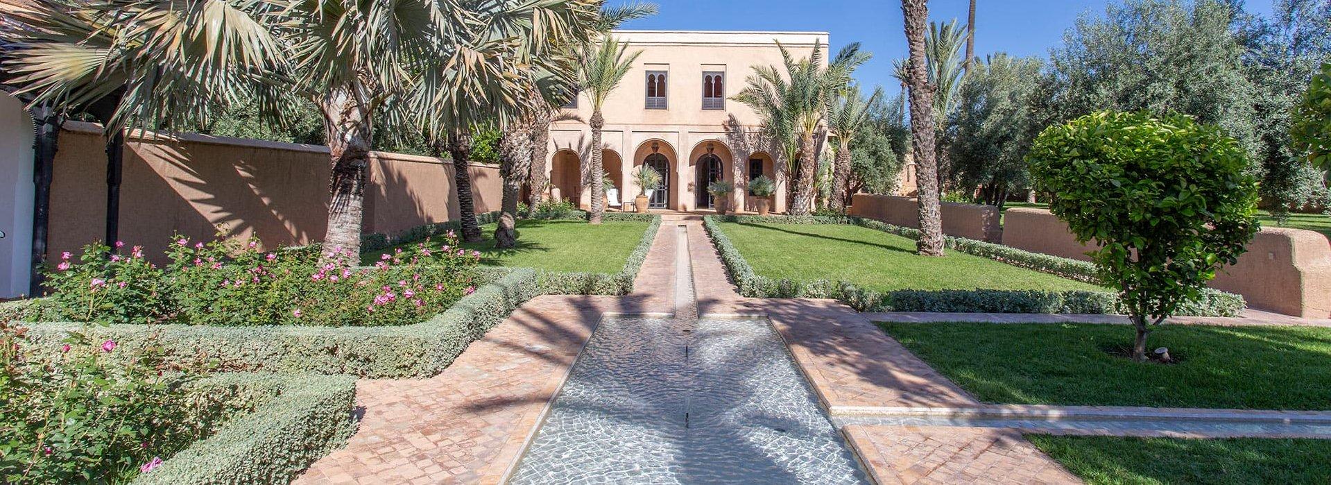 large-luxurious-family-villa-marrakech