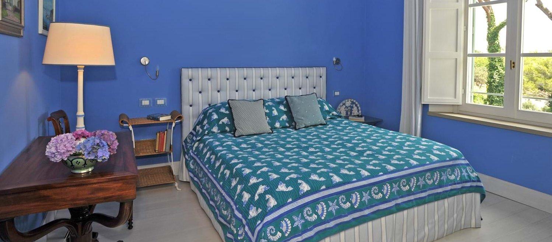 beach-house-tuscany-double-bedroom-4