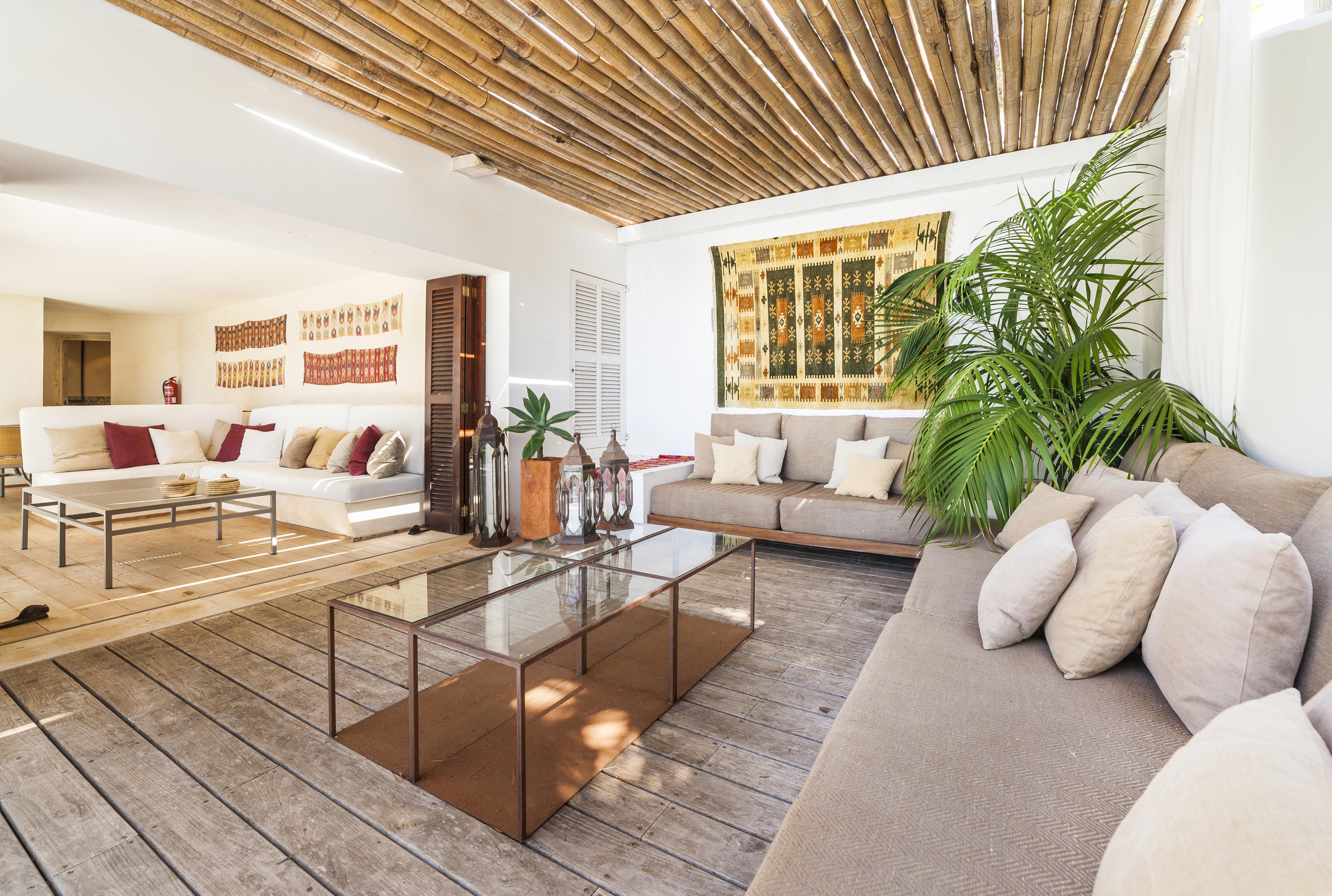 can-mondrago-villa-interior