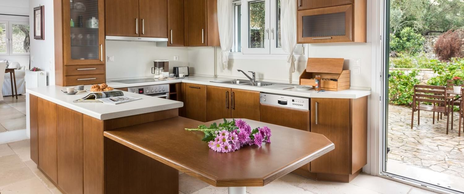 villa-iviscus-paxos-kitchen