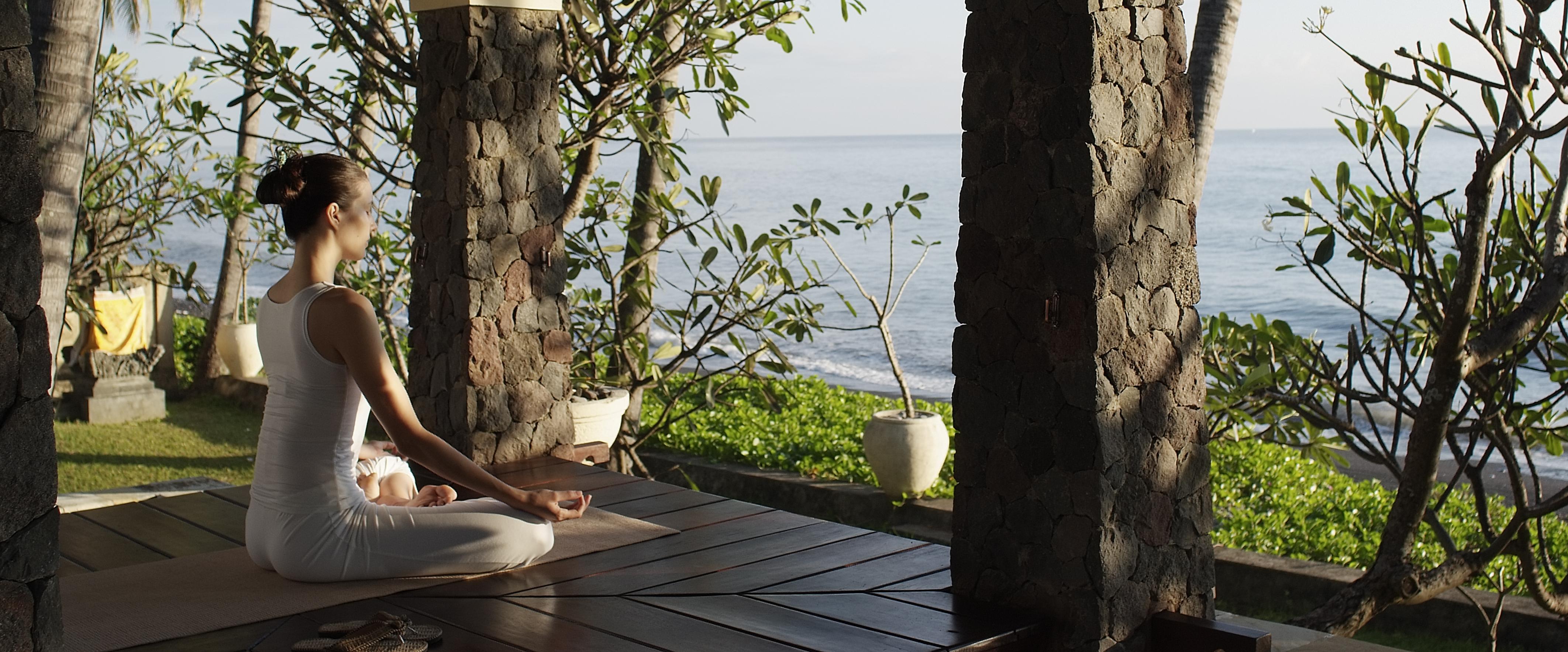 yoga-pavilion-spa-village-tembok