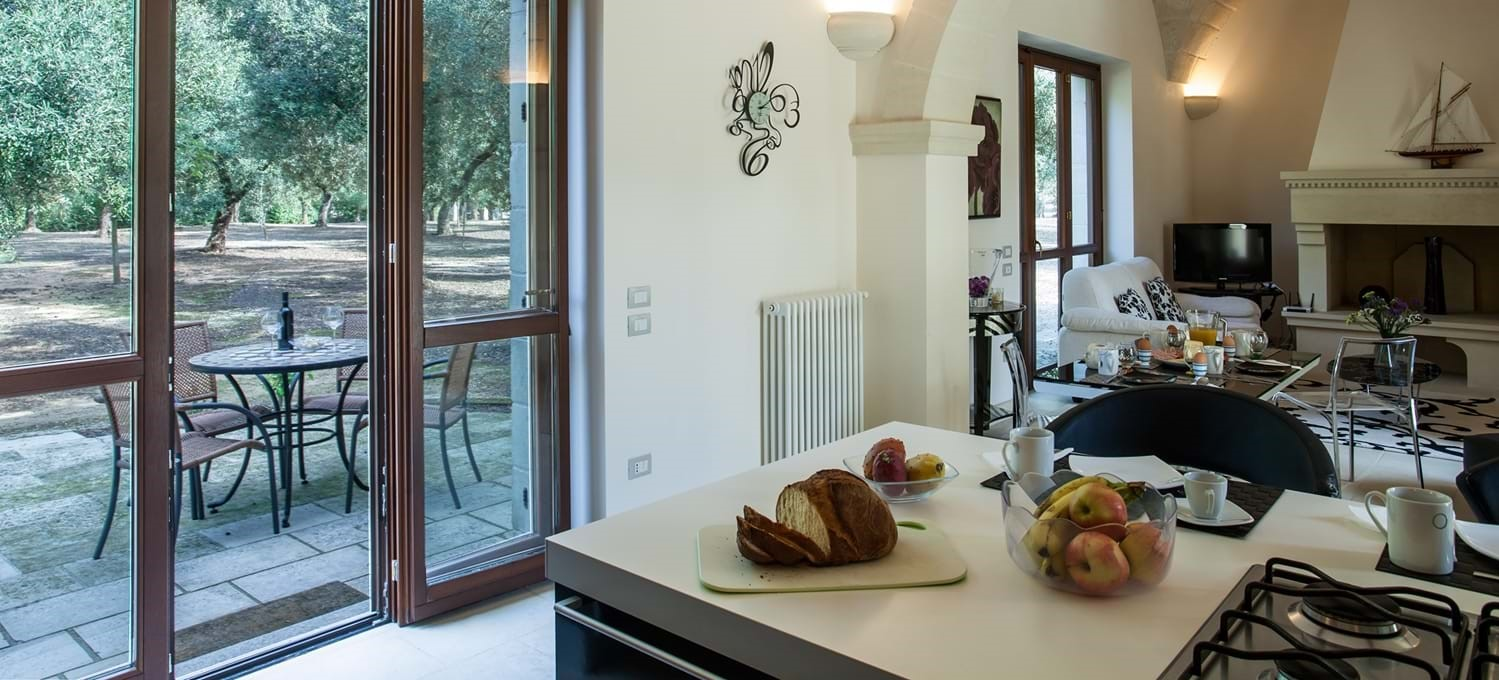 masseria-violetta-kitchen-terrace
