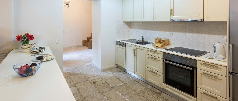 villa-archontiko-corfu-annexe-kitchen