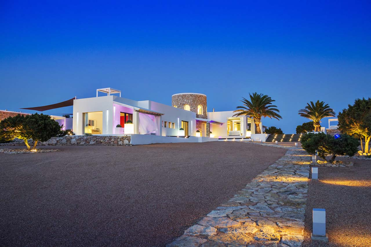 luxury-villa-holidays-ibiza