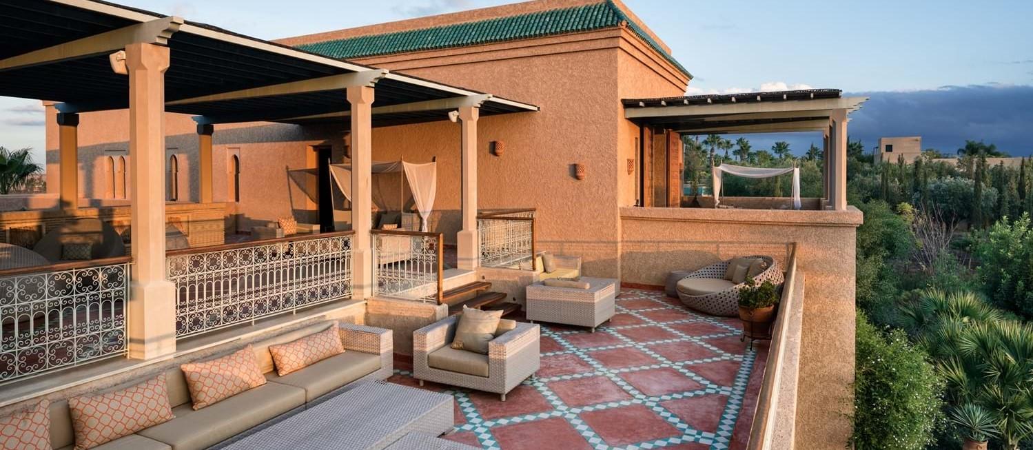 villa-cobalt-blue-roof-terrace