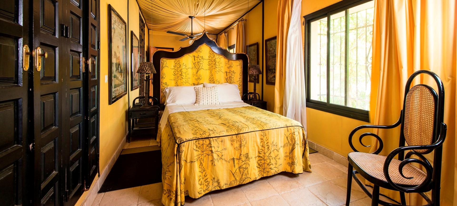 villa-marbella-double-bedroom2
