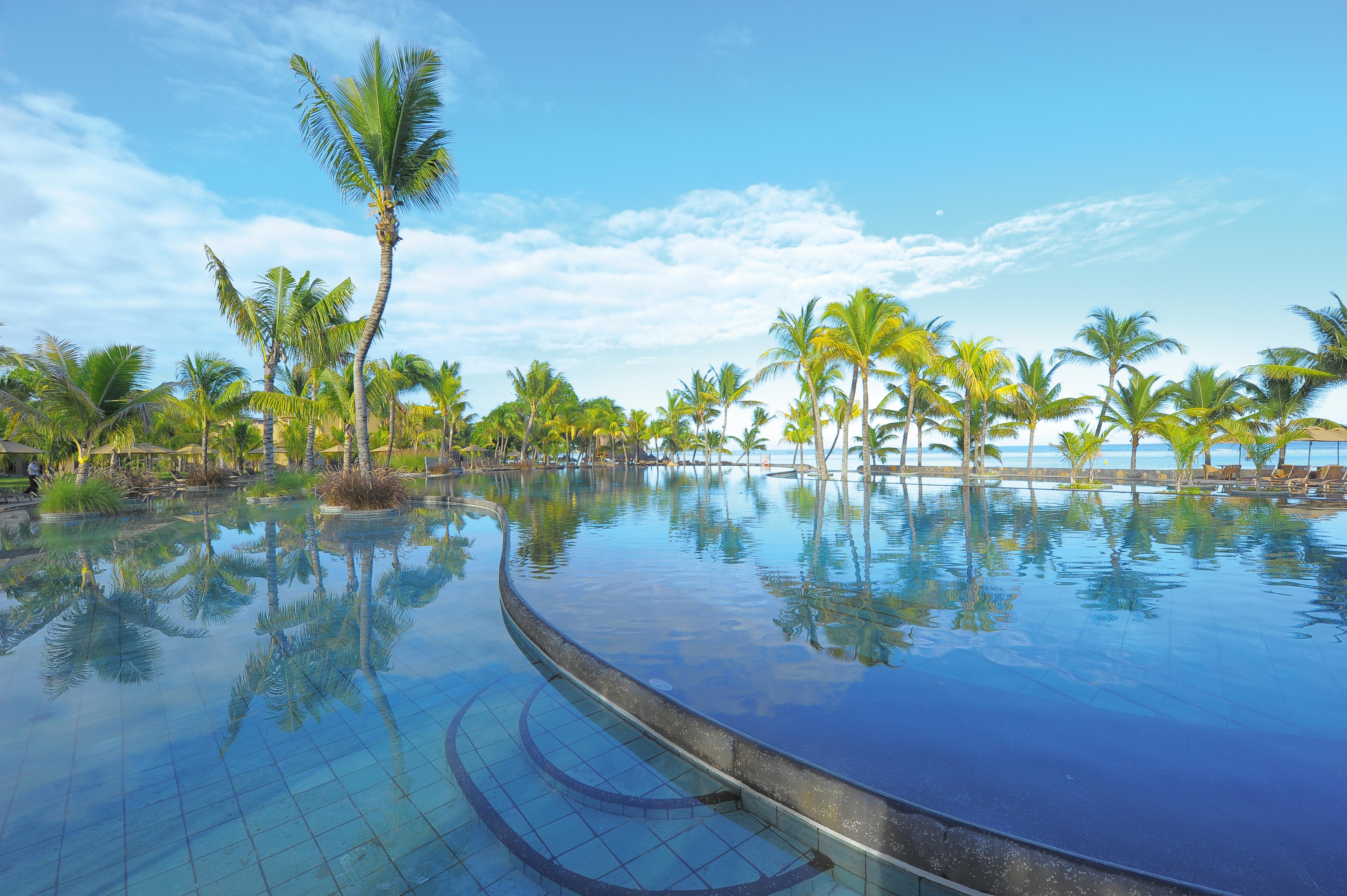 luxury-beach-resort-hotel-mauritius