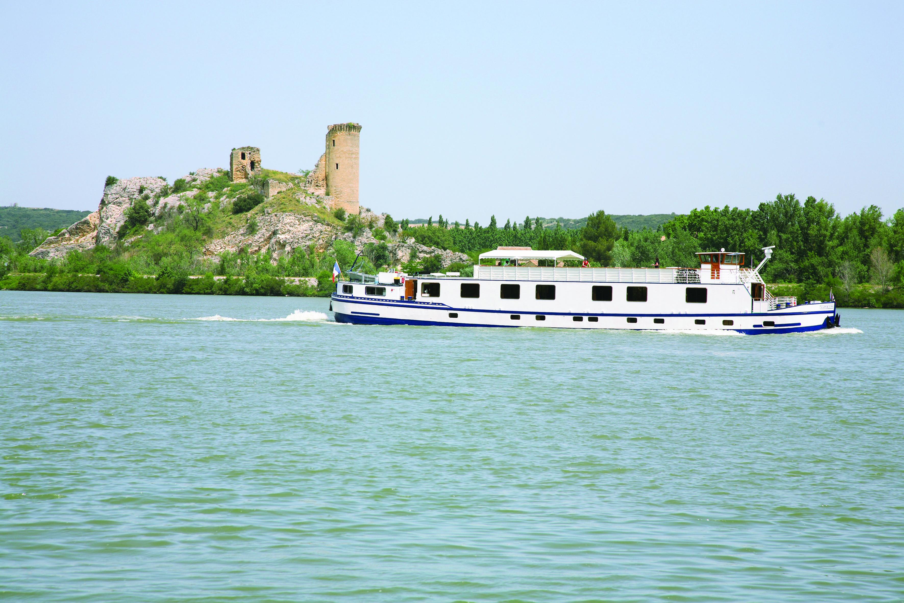 belmond-napoleon-luxury-cruise