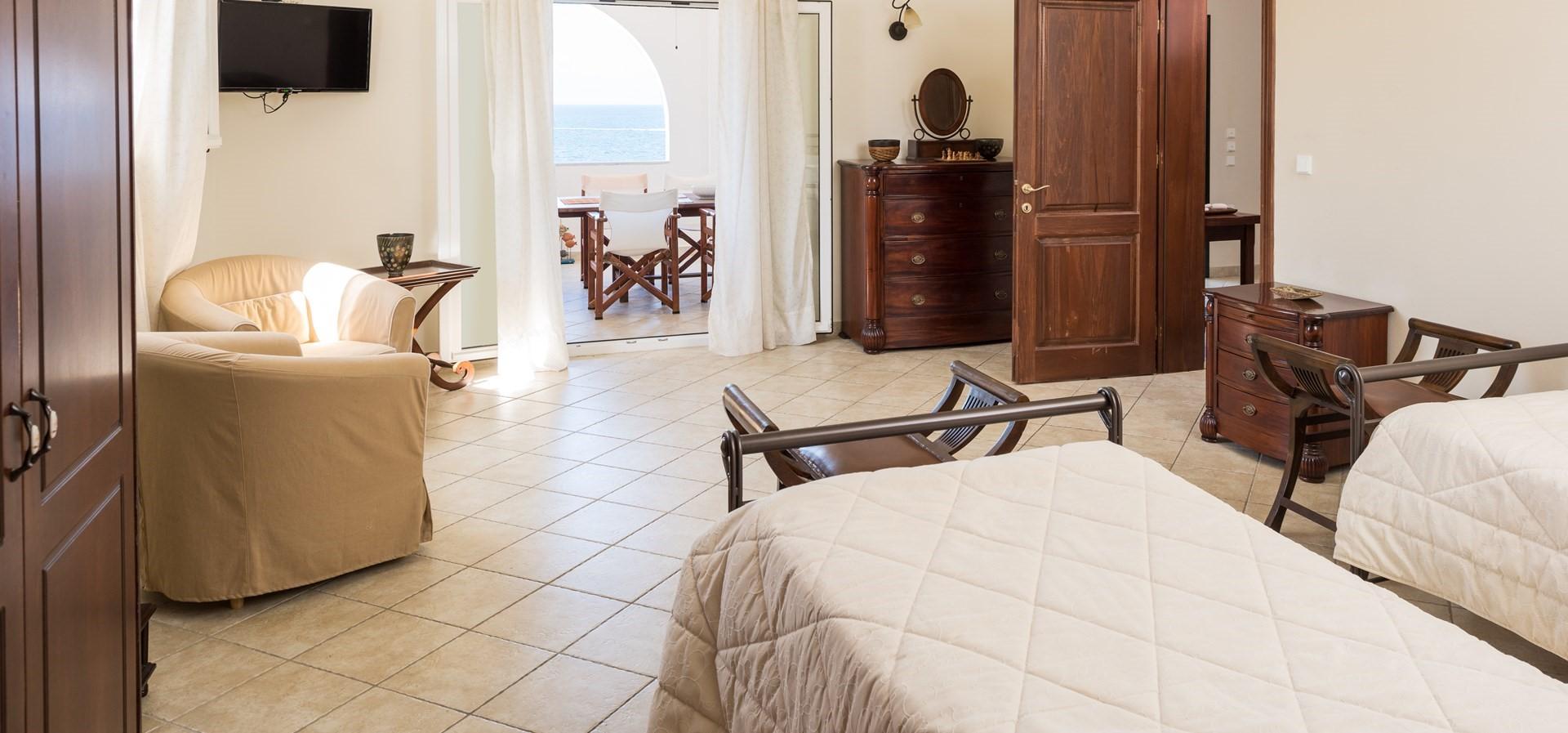 villa-aktea-twin-bedroom-2
