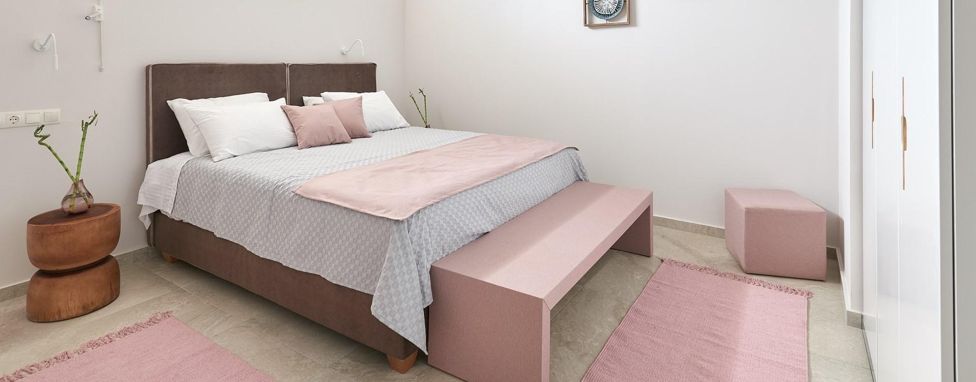 nero-beach-house-double-bedroom-4