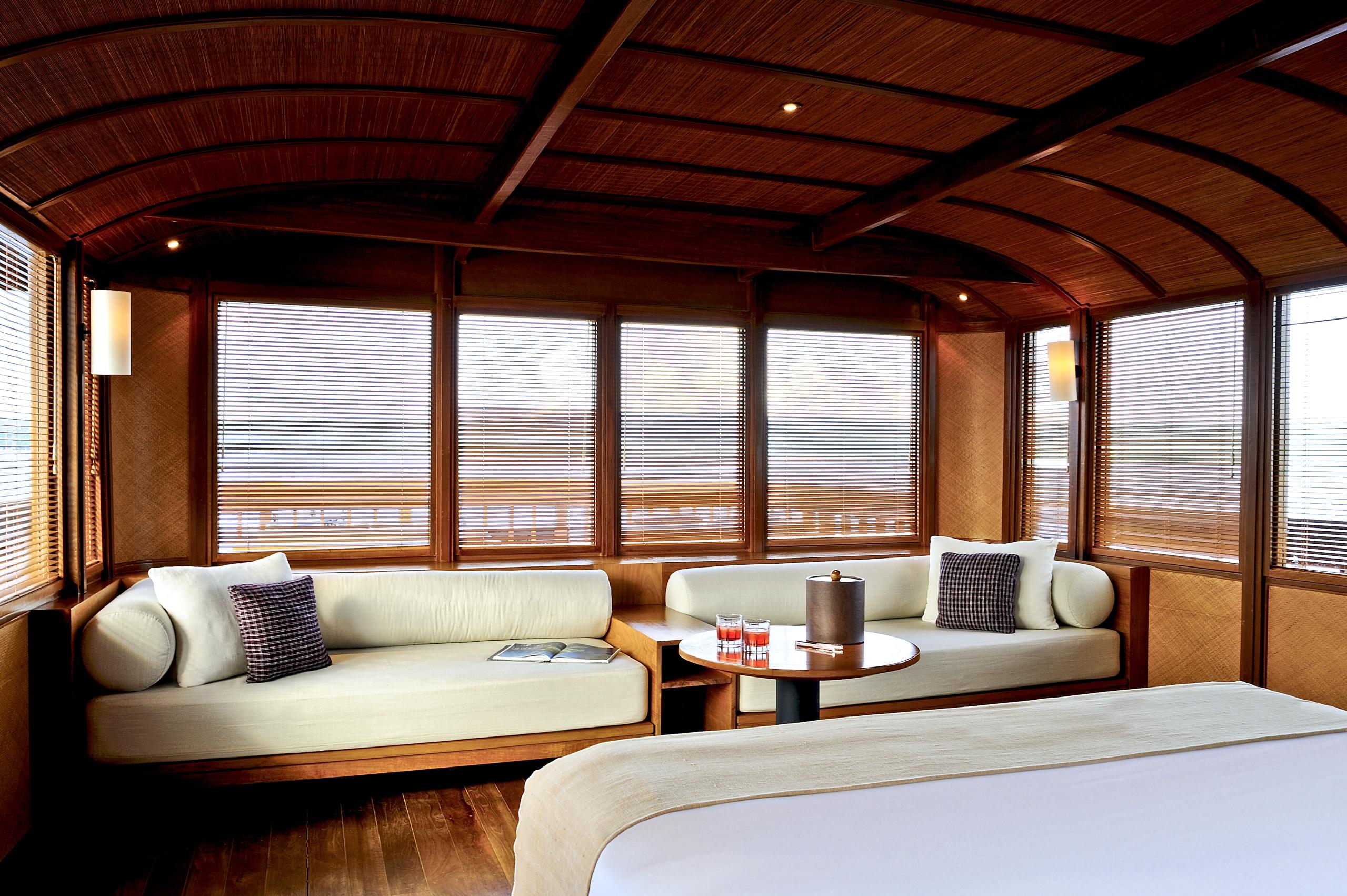 Master-cabin-aboard-amanikan