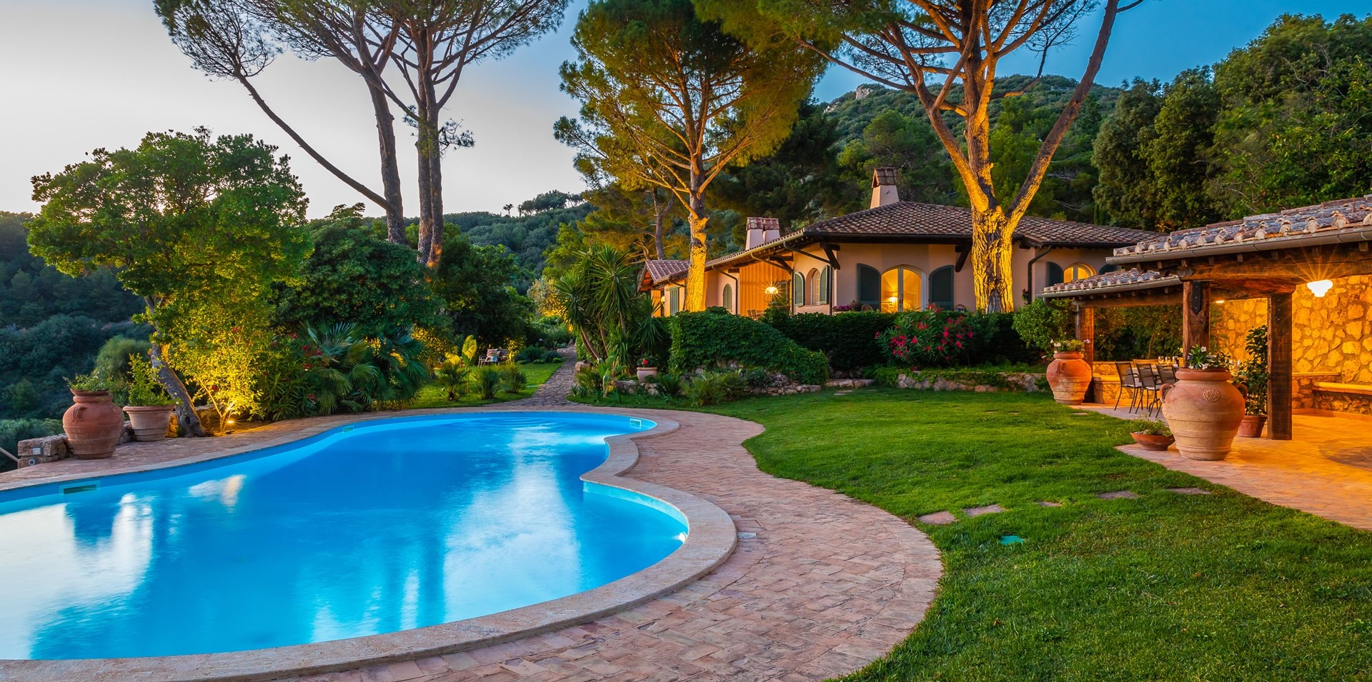 7-bedroom-luxury-villa-tuscany