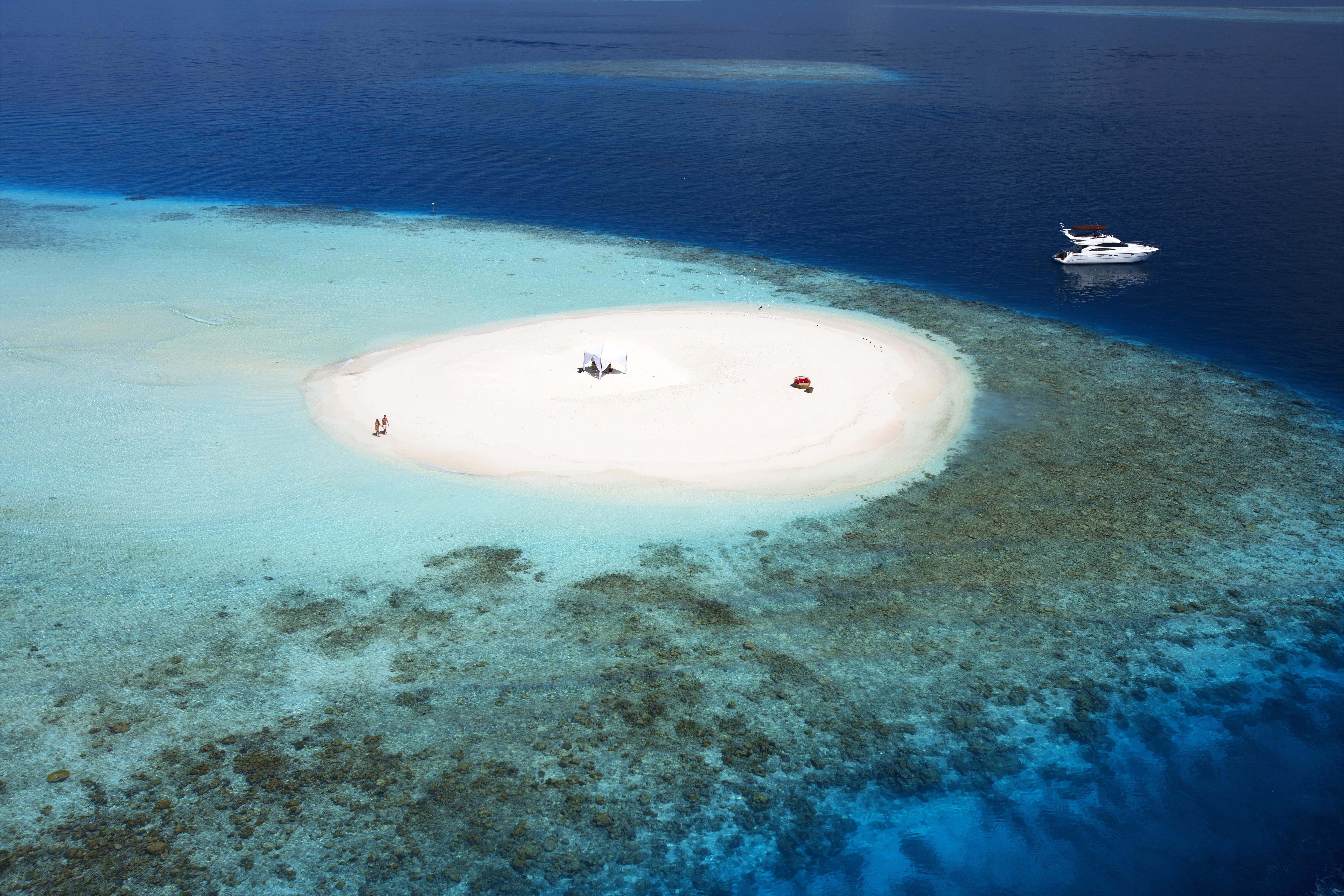 luxury-honeymoon-private-island