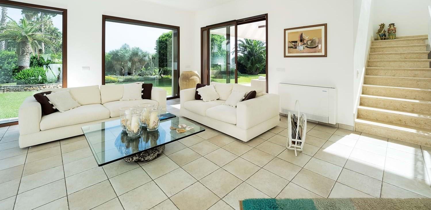 beach-view-house-living-room